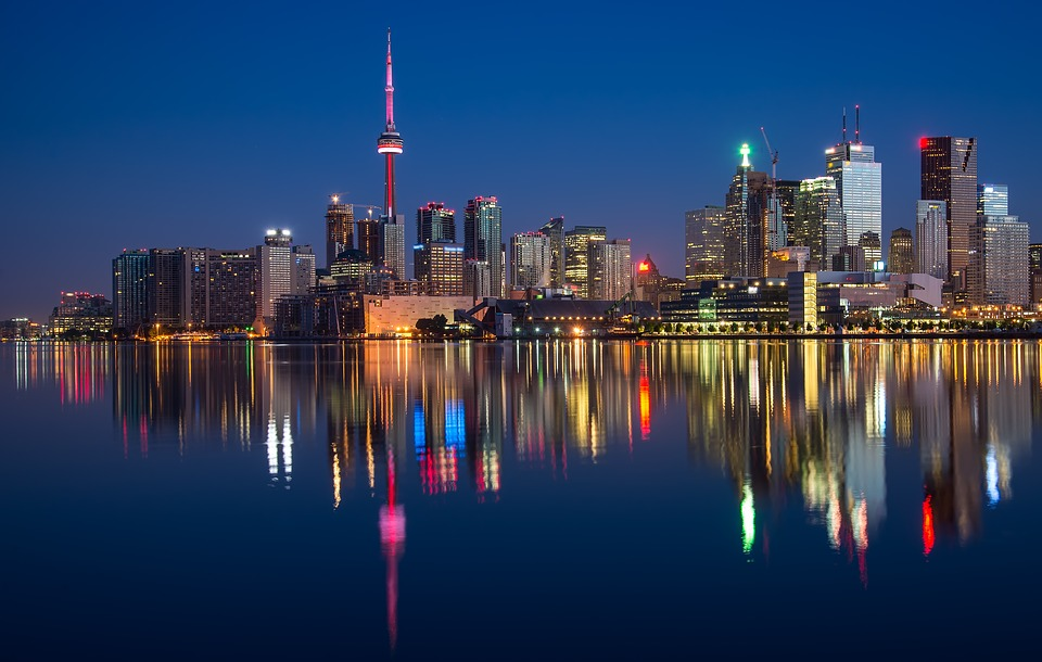 Explore Canada, Reach the CN Towers in Ontario and Famous Destinations