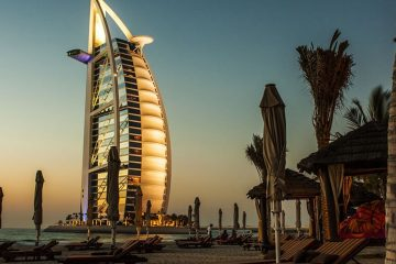Explore Dubai, the Burg Khalifa and other Amazing Buildings